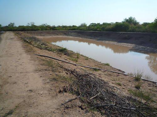 Tajamar -acumluación de agua de lluvia-