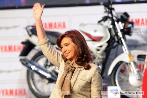 Cristina inaugurando la planta Yamaha // Foto: Télam