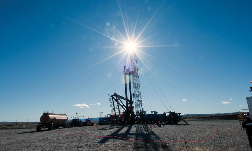 Importante-descubrimiento-de-petroleo-y-gas-convencional-de-YPF-en-Santa-Cruz-863