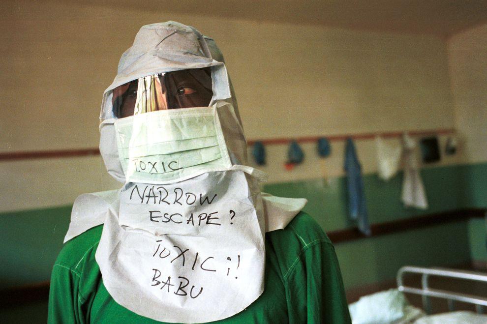 ebola-guinea-africa_78102_990x742