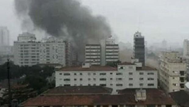 La aeronave cayó en un área residencial de Santos. Gentileza de la Foto: O Globo